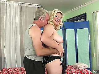 Chunky angel miranda kelly massage with oil and toys