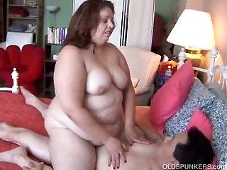 Sexy BBW MILF enjoys a long hard fuck