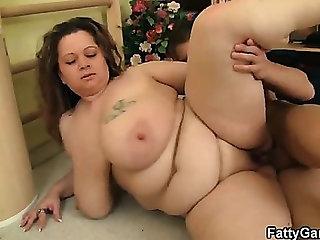 Chubby bitch fucks her fitness instructor