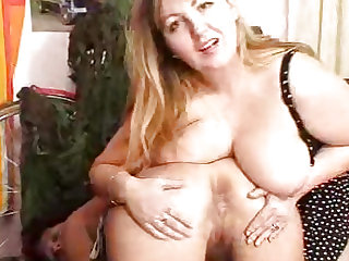 Freaky amateur cougars banging doublesided fake dong