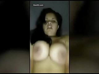 Bade boobs wali dost ki maa ko chodac