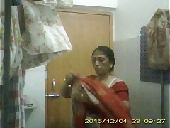 Teaser video be useful to X-rated Indian Milf Mili procurement nude captured away from neighbour