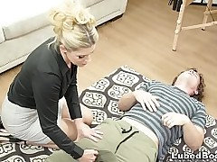 Younger covering falls in love with his older sexy contaminate