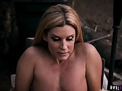 Stepmom gave their way dauther a titbit lesbian treat