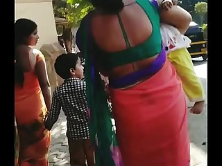 DESPERATE BHAIYANI HOUSEWIFE OPEN BACK AND TIGHT ASS SHOW