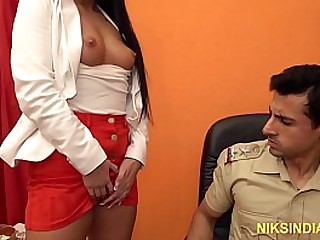 Officer fucked this Indian whore in her ass and pussy