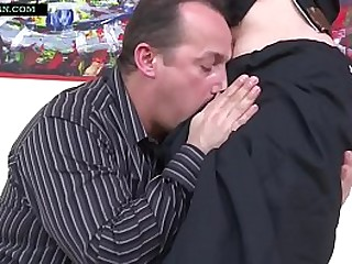 Indian mother in Saree has rough sex with old man