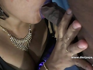 INDIAN MILF BLOWJOB - DesiSex24.com