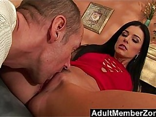 Lovely India Summer Takes The Chance To Fuck Chris Charming