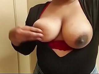 Indian Office Sex MMS Secretary Showing Big Boobs www.popsnmoms.com