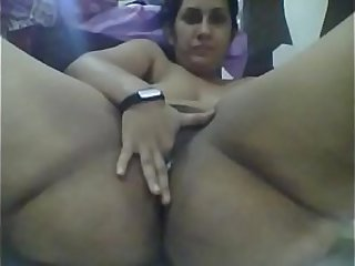 Desi indian enjoys fingering