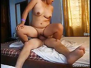 Desi Aunty riding